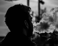 Travel with your vape kit – Keep yourself from sliding back to your smoking habit